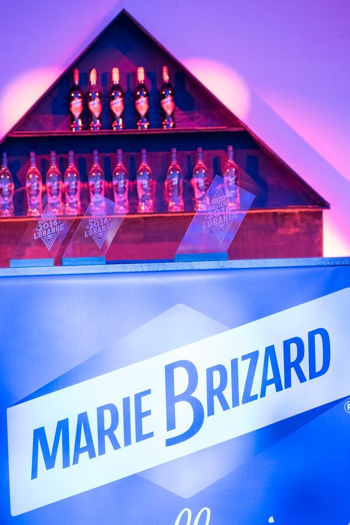 Trophées en acrylique découpé et gravé par laser pour le Master l'Orange Marie Brizard