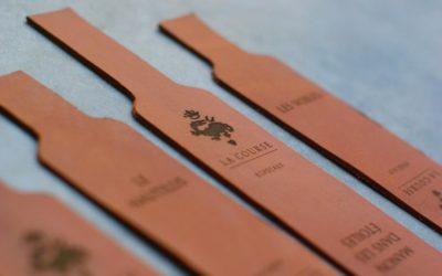 Porte-clés en cuir gravés par laser pour la maison d'hôtes haut de gamme La Course