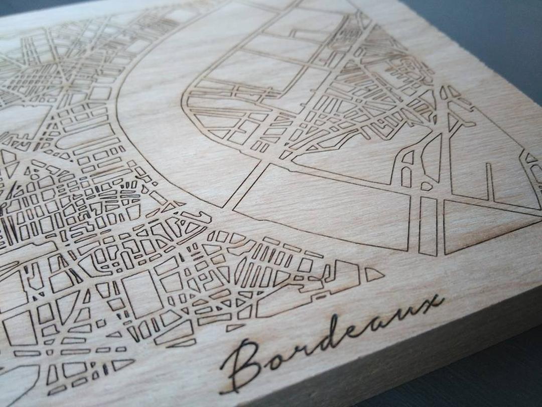 Dessous de plat gravure laser plan de bordeaux bois collection craft & co