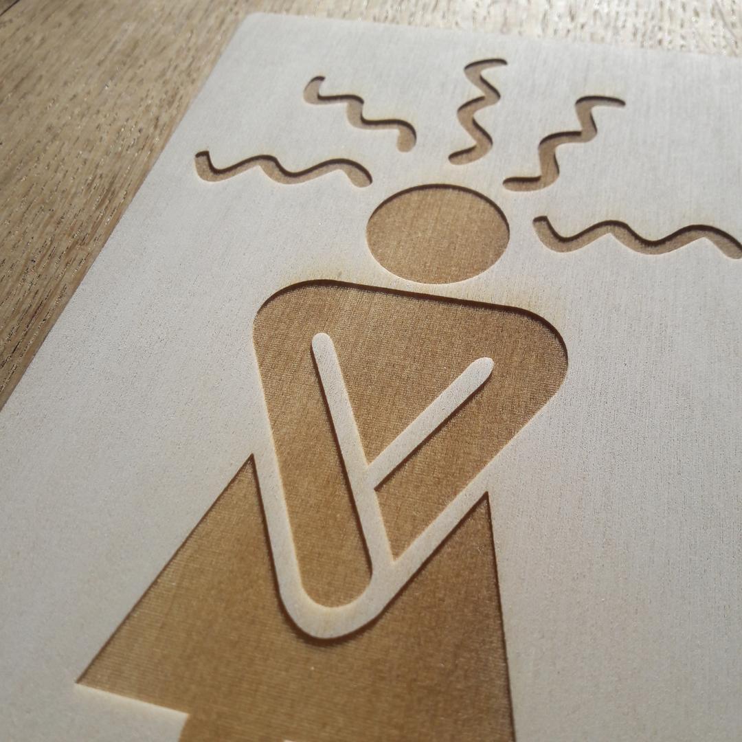 Plaque de porte toilettes signalétique gravure laser sur bois