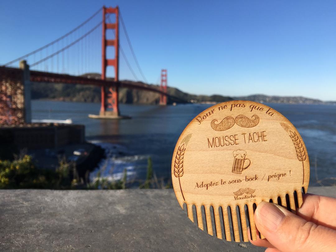 Sous verres moustache gravure et découpe laser en bois collection Craft & Co à San Francisco