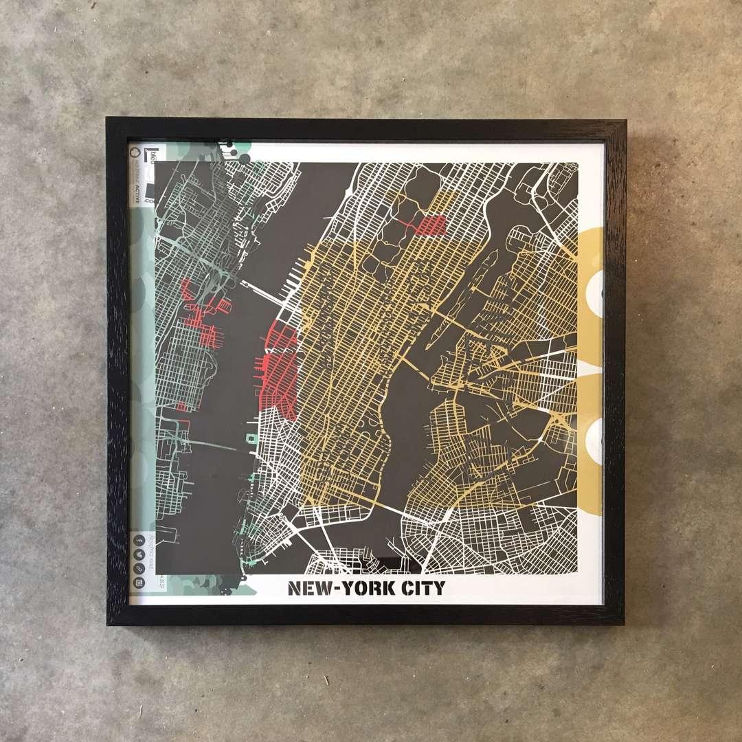 Carte Hit The Road découpe laser sur affiche modèle Ville New-York collection Craft & Co