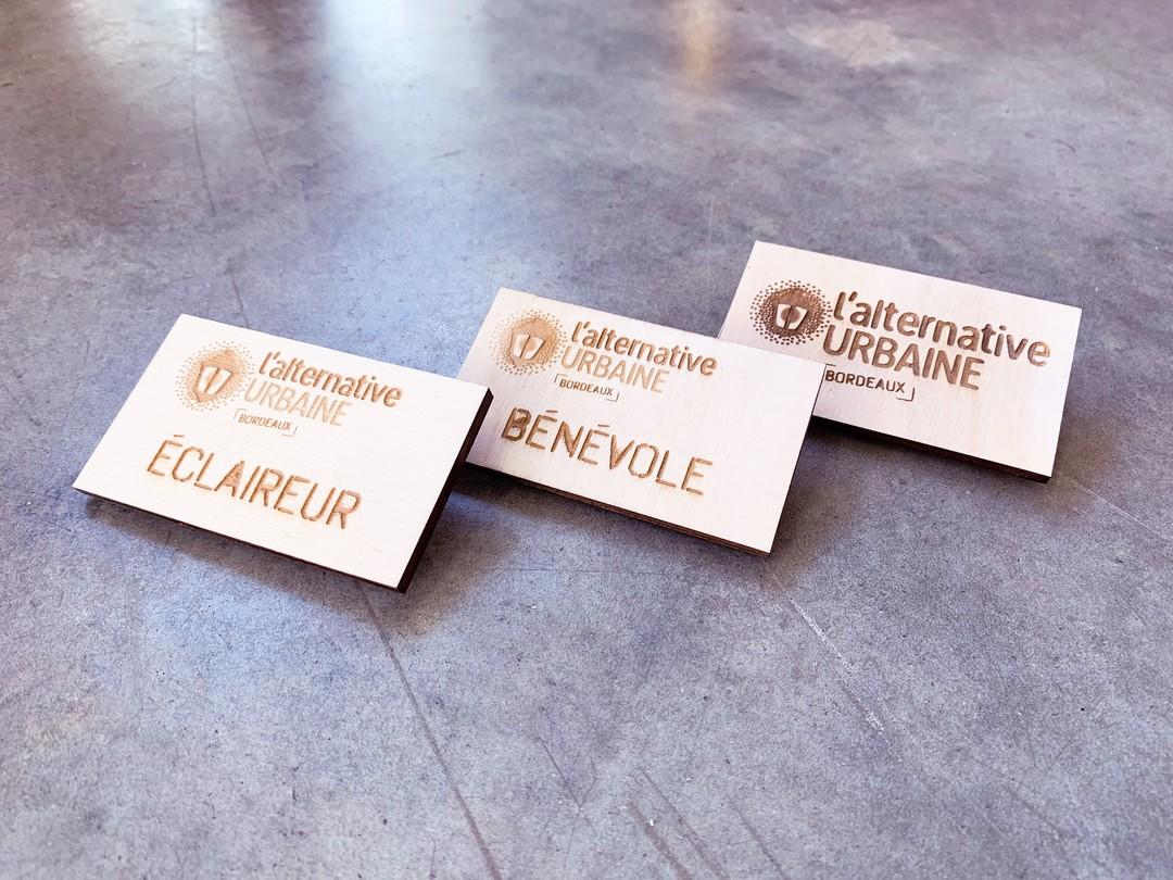 Alternative urbaine bordeaux badges en bois peuplier gravé par laser éclaireur bénévoles objets