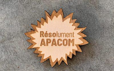 Badges sur-mesure en bois pour l'APACOM