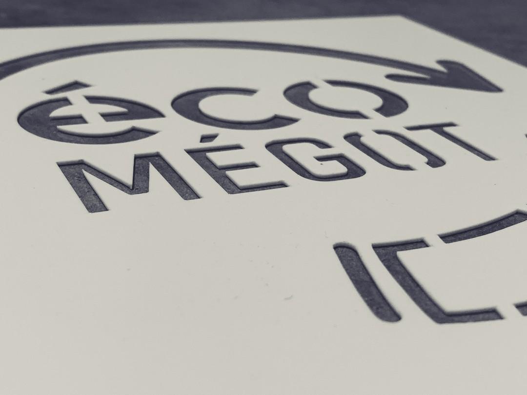 Pochoirs sur mesure en acrylique fin pour Eco megots pour signaletique trottoirs bordeaux france en découpe laser