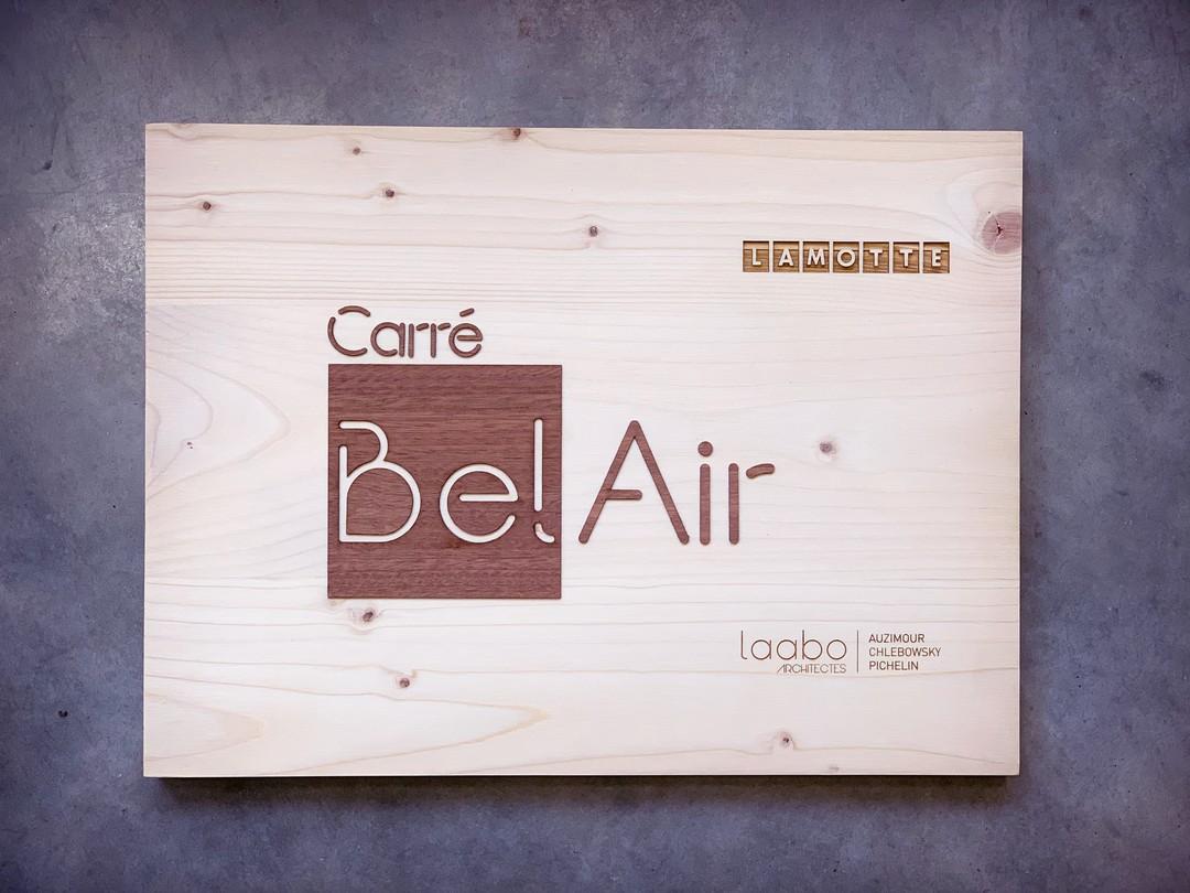 Plaque signalétique de résidence pour immobilier lamotte pour le programme Carré bel Air et laabo architecture