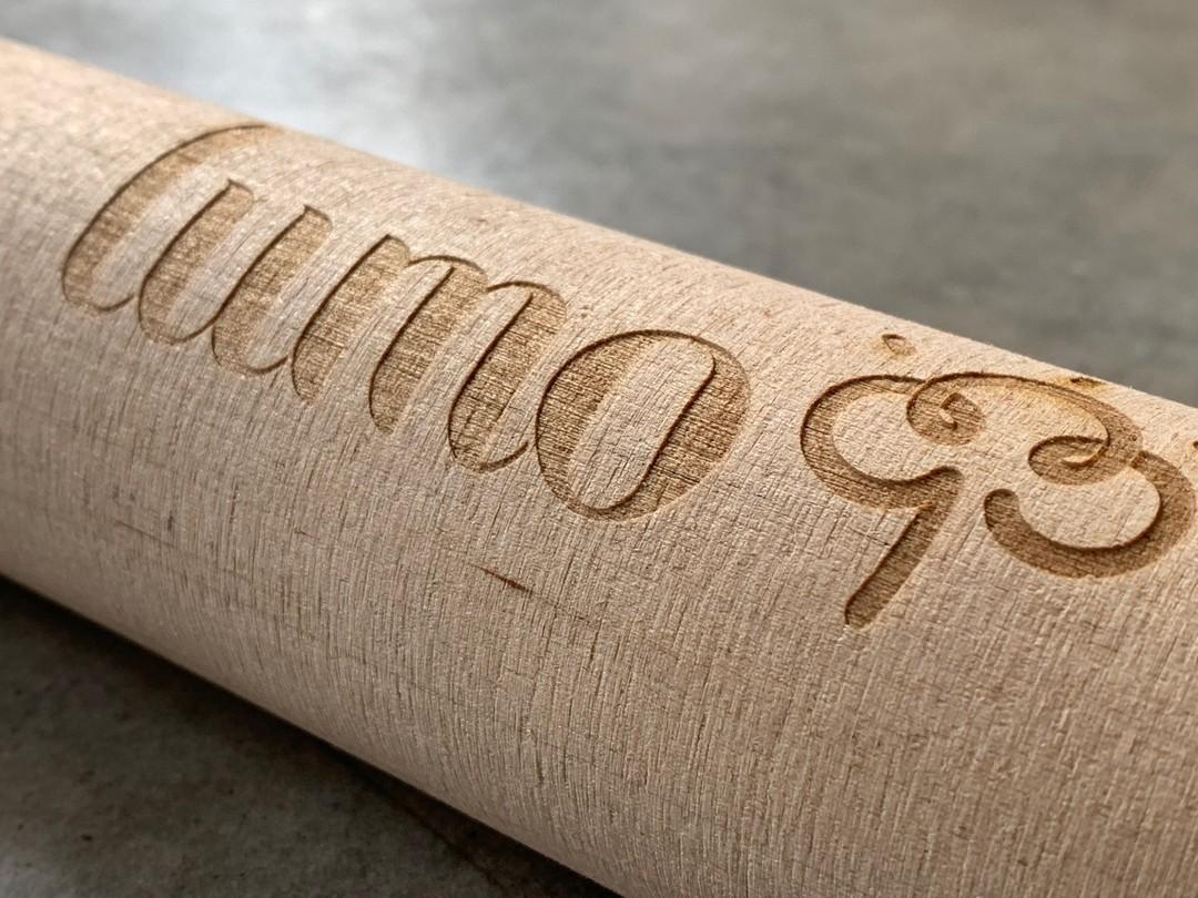 Quille de molkky personnalisé par gravure laser pour Lumo