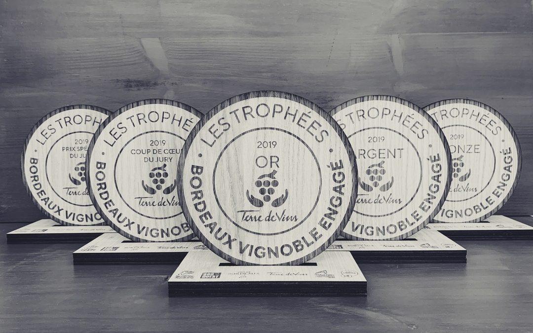 Les «Trophées Bordeaux Vignoble engagé» en bois pour le magazine Terre de Vins