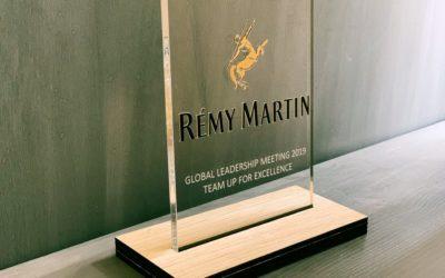Trophées en bois et plexiglass pour Rémy Martin