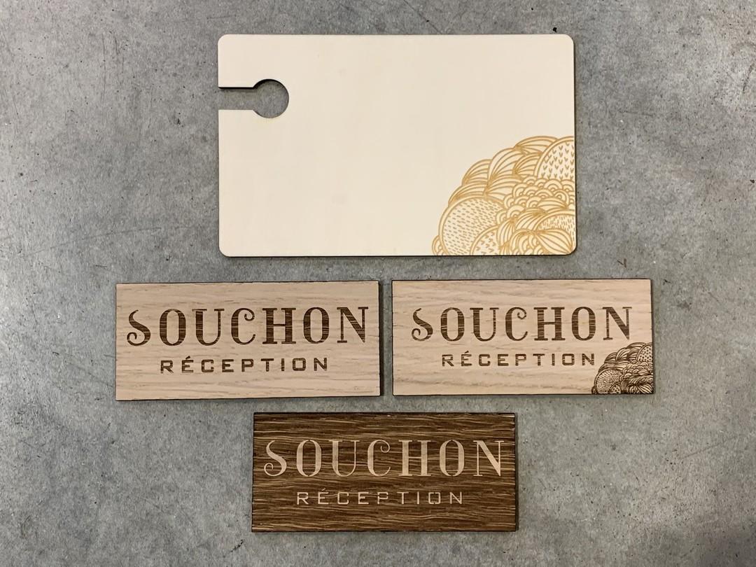 Etiquettes et planchettes de dégustation pour traiteur gravure et découpe laser sur chêne et peuplier personnalisé pour Souchon Réception