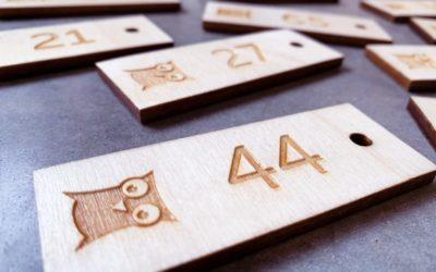 Porte-clés en bois pour Village Vacances VVF