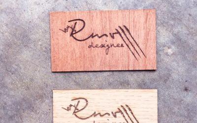 Étiquettes de marque en placage bois pour RMV Designer
